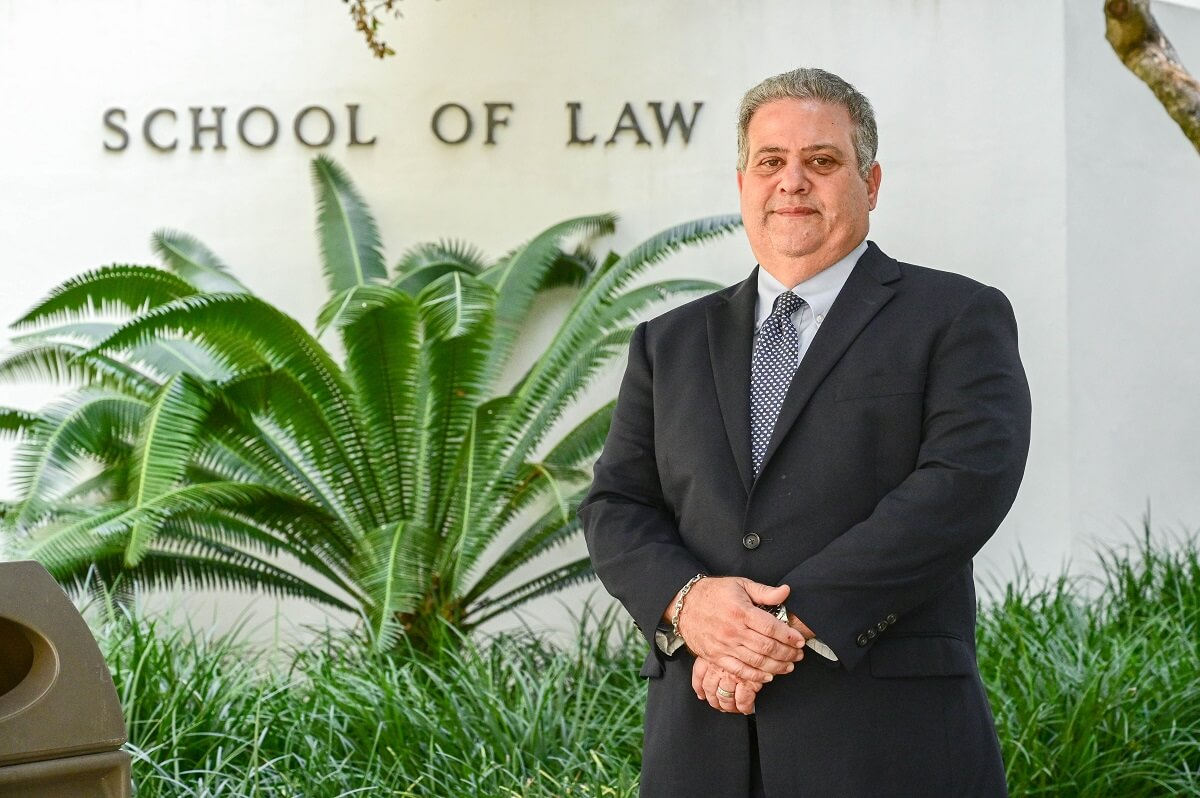"""Searching for """"Divorce Lawyers Near Me"""" In Miami? Call Us"""